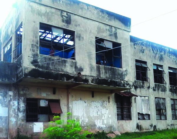 A-classroom-block-at-IMT-Enugu-where-lecture-stops-when-it-rains