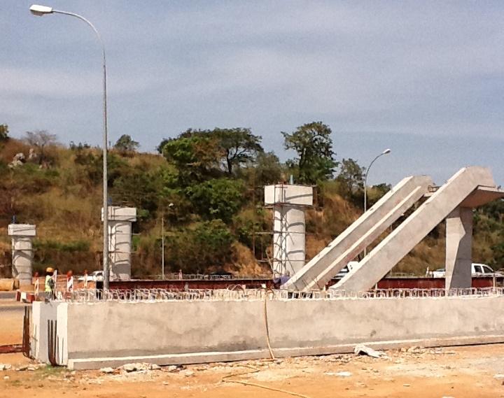 Pedestrian-bridge-under-construction.jpg