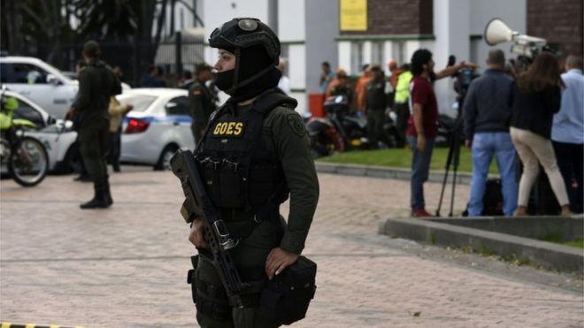 colombian police.jpg