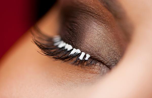 Fake-eyelashes.jpg