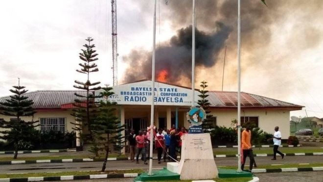 Radio-Bayelsa-on-fire.jpg