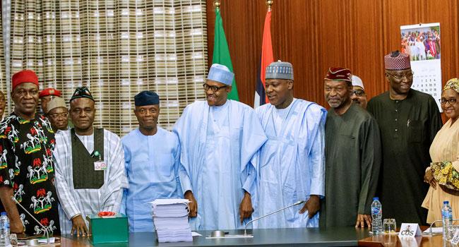 Buhari-signs-budget-2